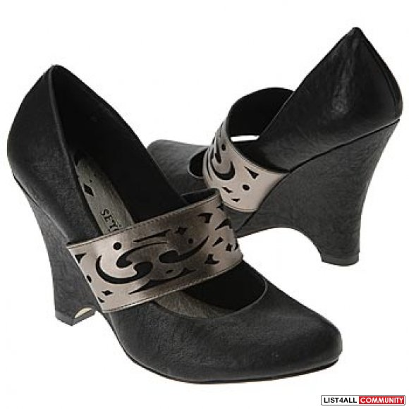 SEYCHELLES Black Leather Pewter Strap Mary Jane Heels Shoes 8