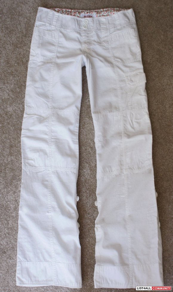 HOLLISTER White Convertible 2 in 1 Cargo Pants or Capri Crops M/L