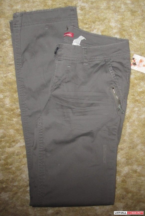 UNIONBAY Cute Grey Lightly Distressed Casual Pants Womens 26/27
