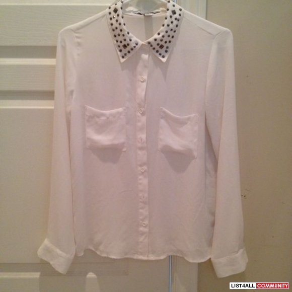 Forever 21 stud blouse size s