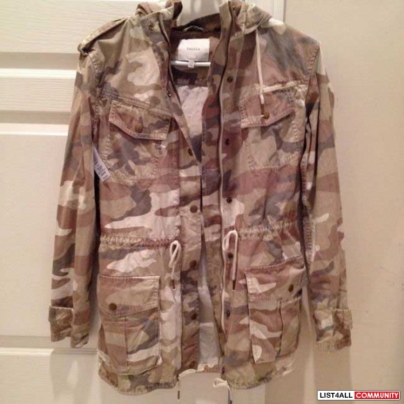 Aritzia Talula Trooper jacket size xxxs (new)