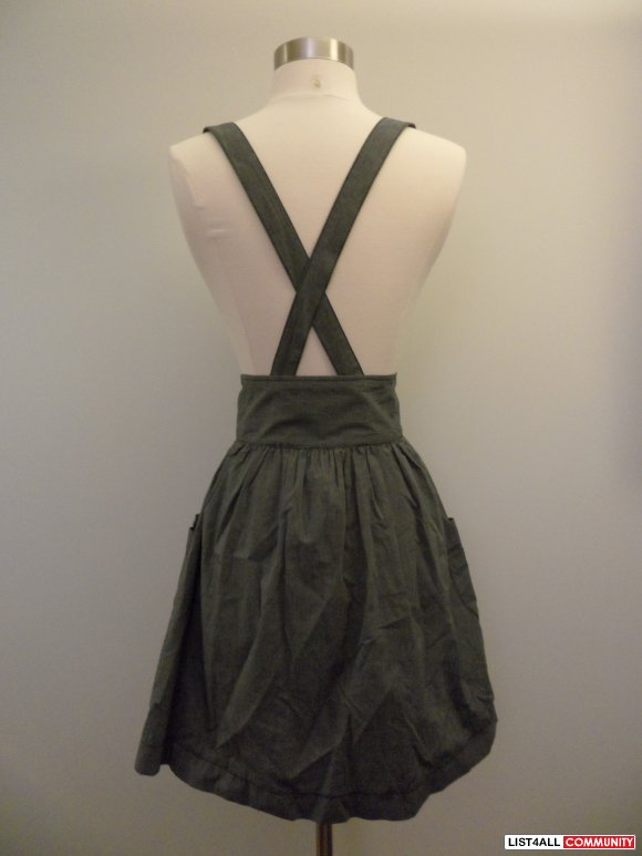 h&m grey denim like skirt with removable straps and front pockets