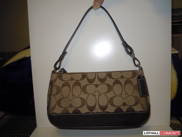 42f7830c3e00 Small Brown Coach Handbag    pursensuchbby    List4All