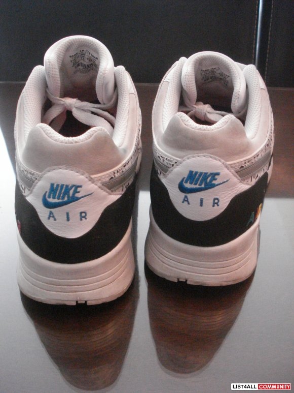 NIKE AIRS IN PERFECT CONDITION - $40 OBO
