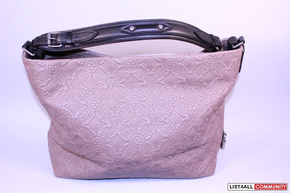 Louis Vuitton Hobo PM Antheia Fume
