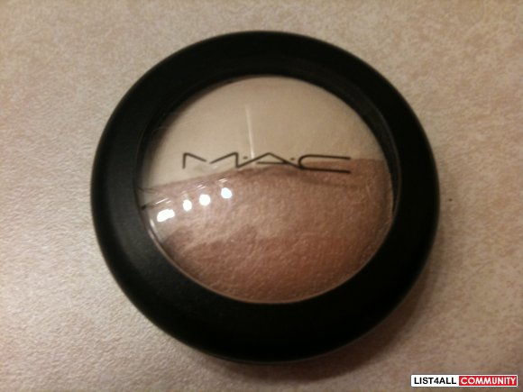 Mac Mineralized Eyeshadow - This & That