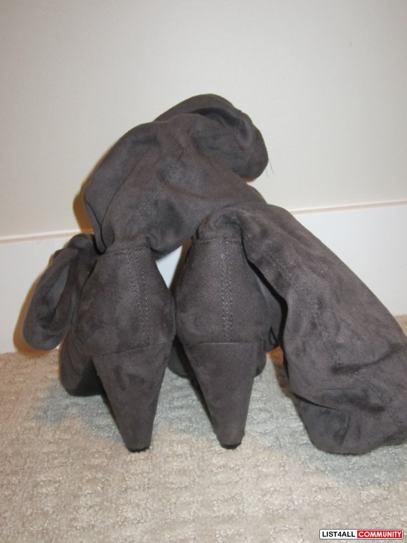 Grey Le Chateau Boots size 6