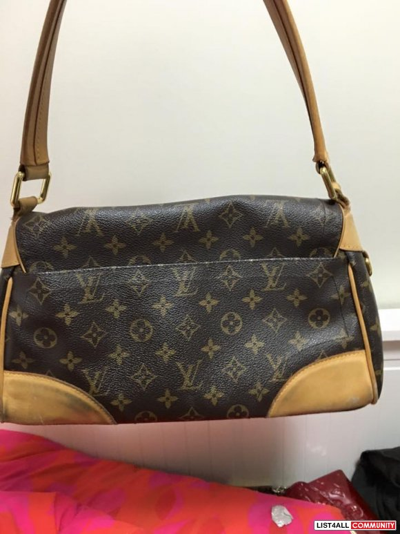 Louis Vuitton Beverly MM - Authentic