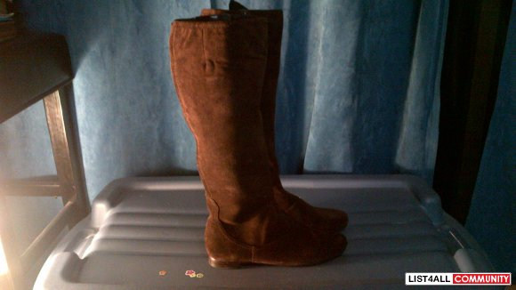 Nine West Fauxao Brown Suede Boots, SIze 5 1/2 (Brand New)