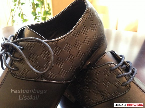 Louis Vuitton Men's shoes
