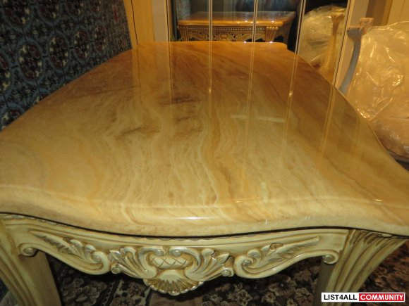 Marble Coffee Table it's very heavy - in excellent condition $ 650