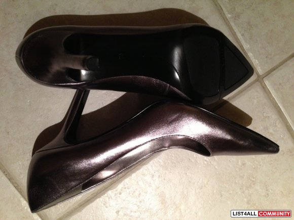 NEW Nine West Metallic Heels-Size 9