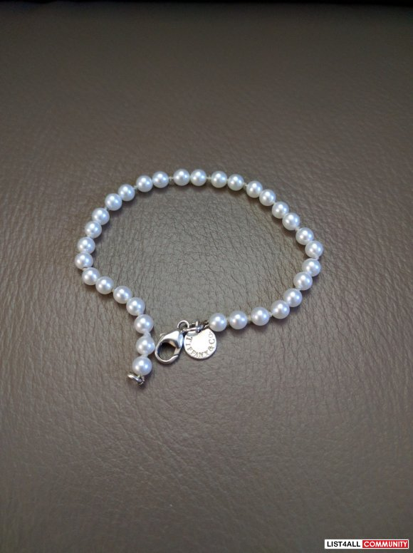Authentic Tiffany & Co. Pearl Bracelet