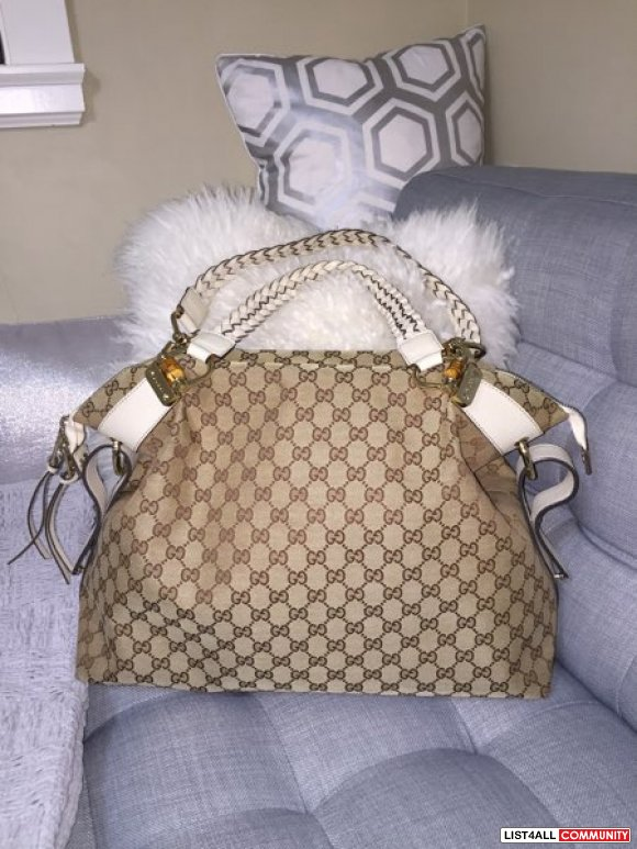Authentic Gucci bamboo bar shoulder bag