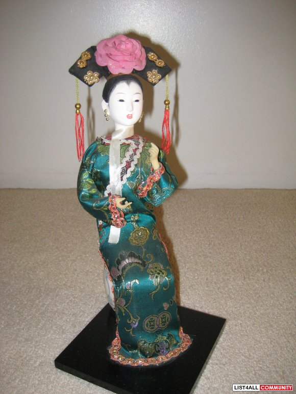 Qing Dynasty Princess Doll (Brand New)