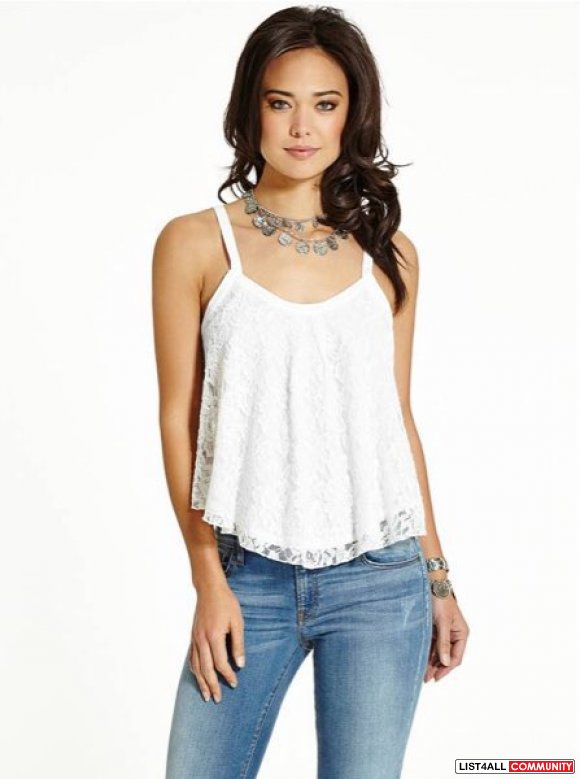 GUESS LEILA SLEEVELESS LACE TOP
