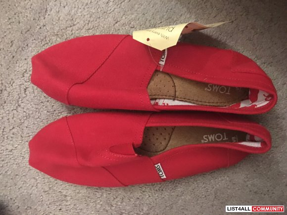 Toms - Red - Size 8 - Never worn - Replica