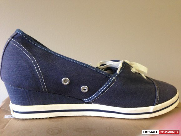 NEW CONVERSE One star Wedge size 8 Slip-on shoes - dark navy blue