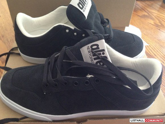 Size 9 men's new in box ALIFE shoes
