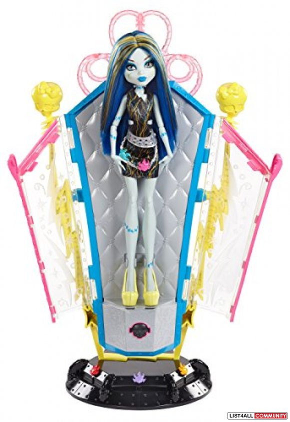 Freaky Fusion Frankie Recharge Chamber Set plus doll