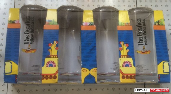Beatles yellow submarine glasses