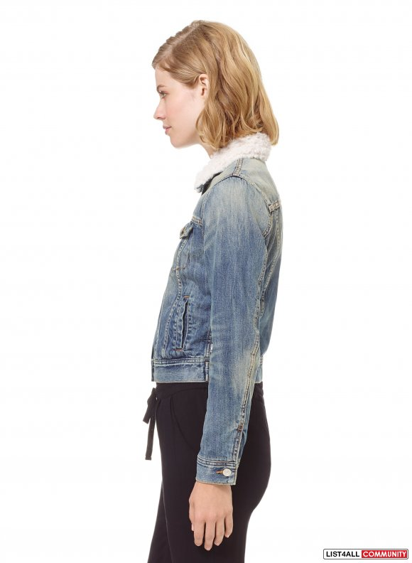 Aritzia Van Nuys Light Wash Denim Jacket XS
