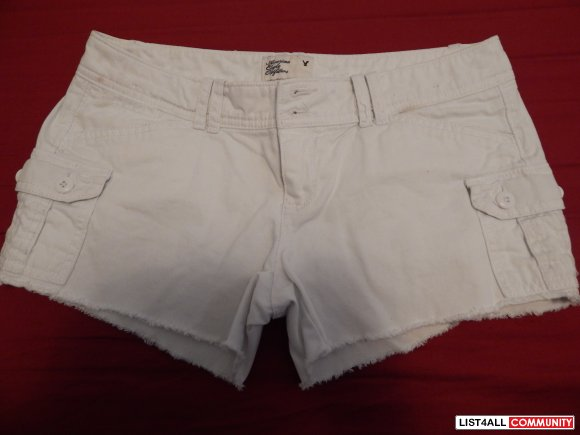 American Eagle white short shorts!!! Great condition! Size 0