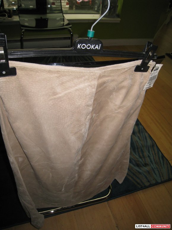 ARITZIA KOOKAI SUEDE KNEE FLARE SKIRT SIZE:28 BRAND NEW! WITH TAGS!