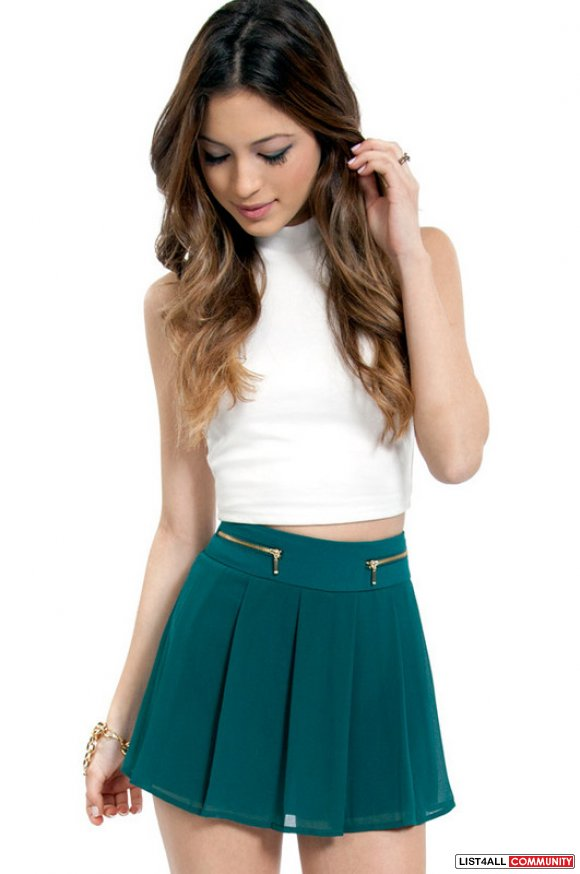 Tobi Kylie Pleated Shorts - S
