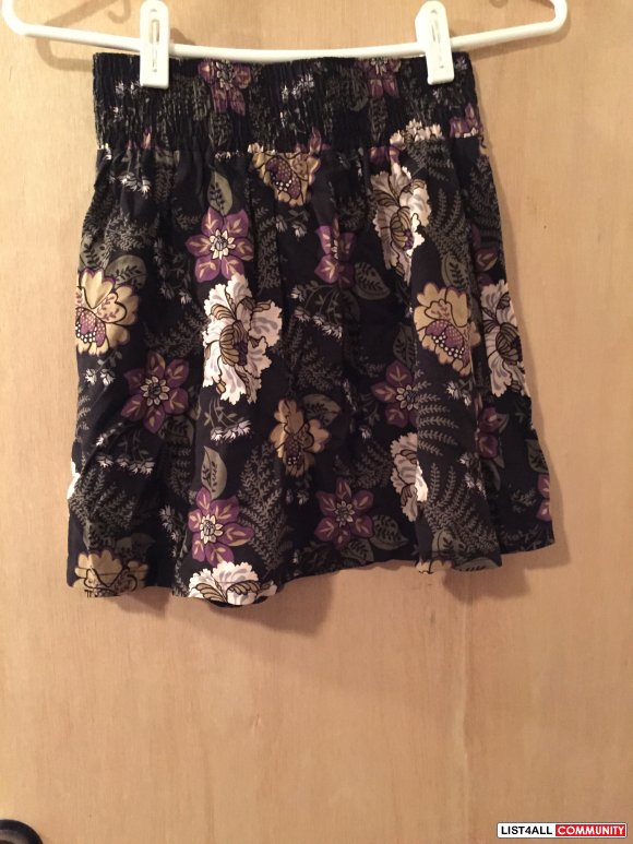 Frenchi Floral Skirt Size XS