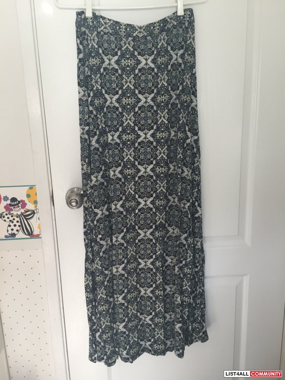 Forever 21 Blue Maxi Skirt Size Small