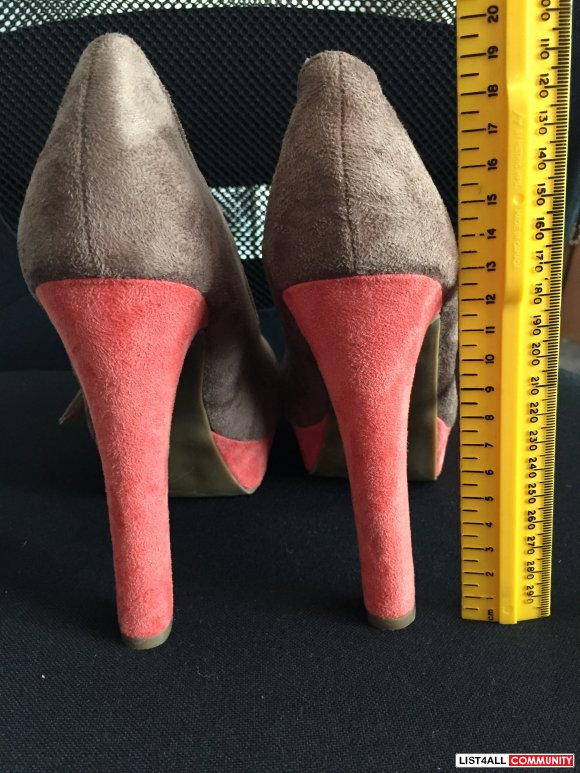Streetwear Society Size 7 Taupe and Coral Platform Heels