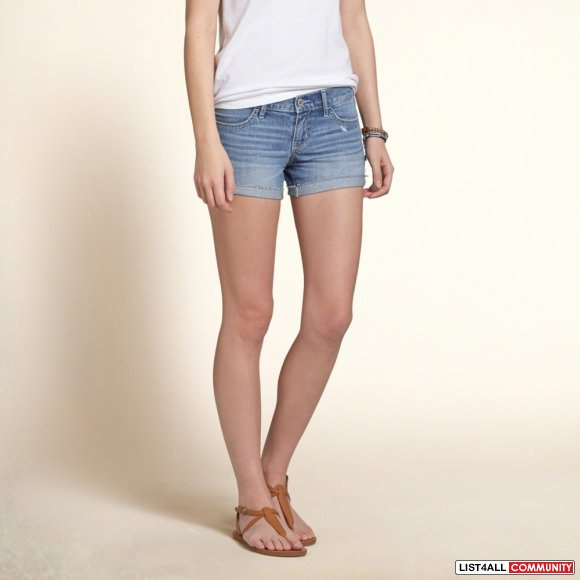 NWT Hollister Midi Shorts in Medium Wash Size 0