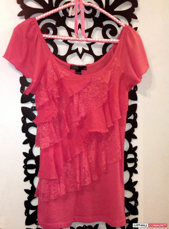 Like New cute coral top size medium-Multiple item discounts