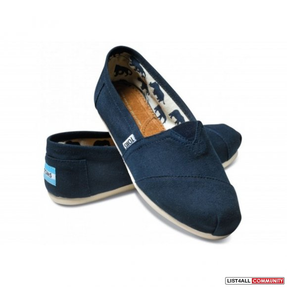 TOMS BLUE- womens size 7.5- BRAND NEW