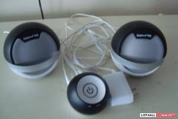 speakers perfect condition $20