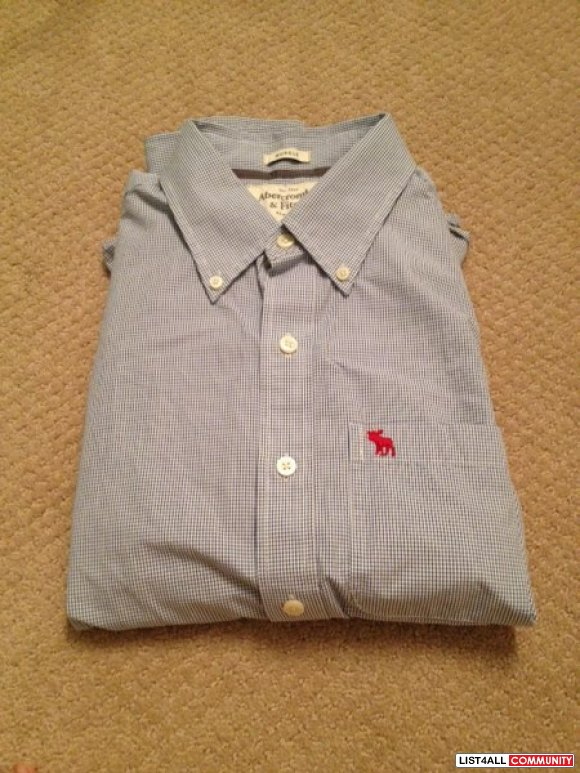 BNWOT Abercrombie and fitch button up
