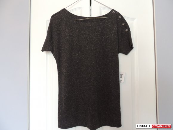 BNWT Tshirt with side buttons