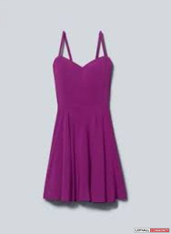 Brand New Aritzia lipinski dress Size 4