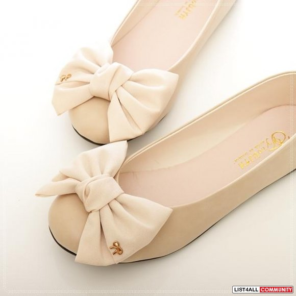 Cute Bow Flats Size 6