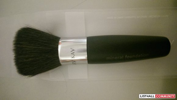 Mary Kay Mineral Foundation Flat Top Brush