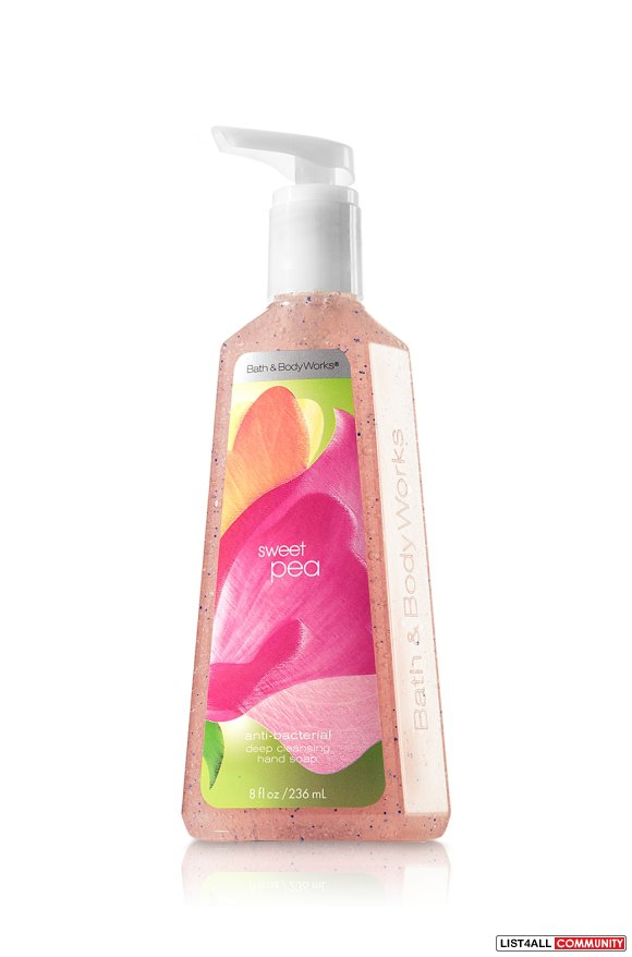 Bath and Body Works - Anti bacterial moisturizing hand soap in sweet p