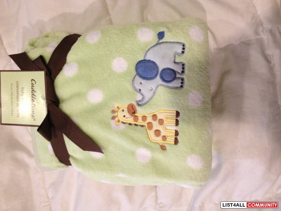 BNWT green baby blanket with giraffe and elephant