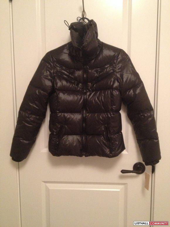 michael kors puffy winter jacket gabiscloset list4all. Black Bedroom Furniture Sets. Home Design Ideas