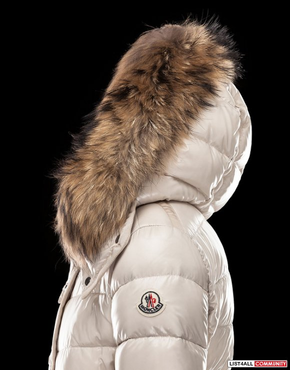 Moncler Armoise Women Lacquer Short Down Coat with Fur Hood