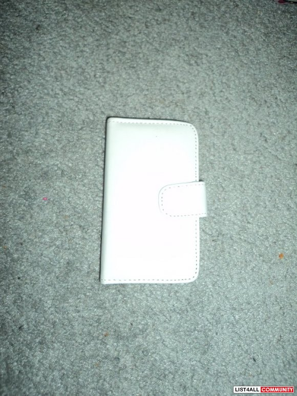 White ipod case for Ipod 4th gen
