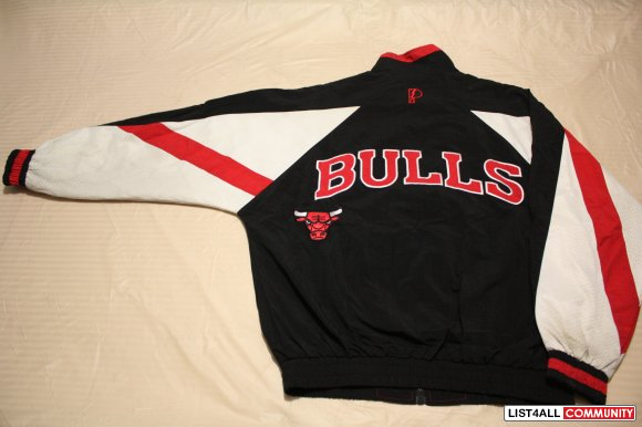 90's Chicago Bulls jacket by Pro Player --- $30firm