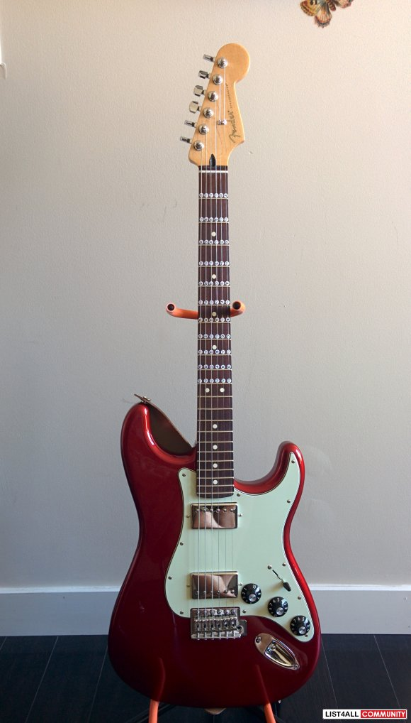 Fender Blacktop Stratocaster HH in Candy Apple Red plus Amp