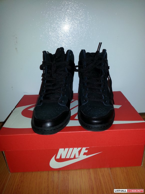 Nike Dunk Sky High - Black Suede (Size US 8)