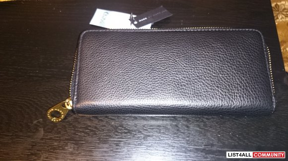 BNWOT Marc Jacobs Wallet